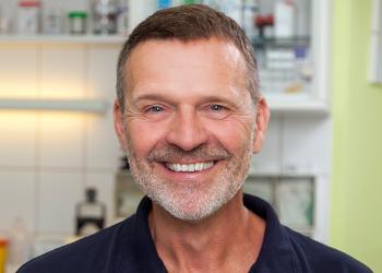 Dr. Martin Bucksch